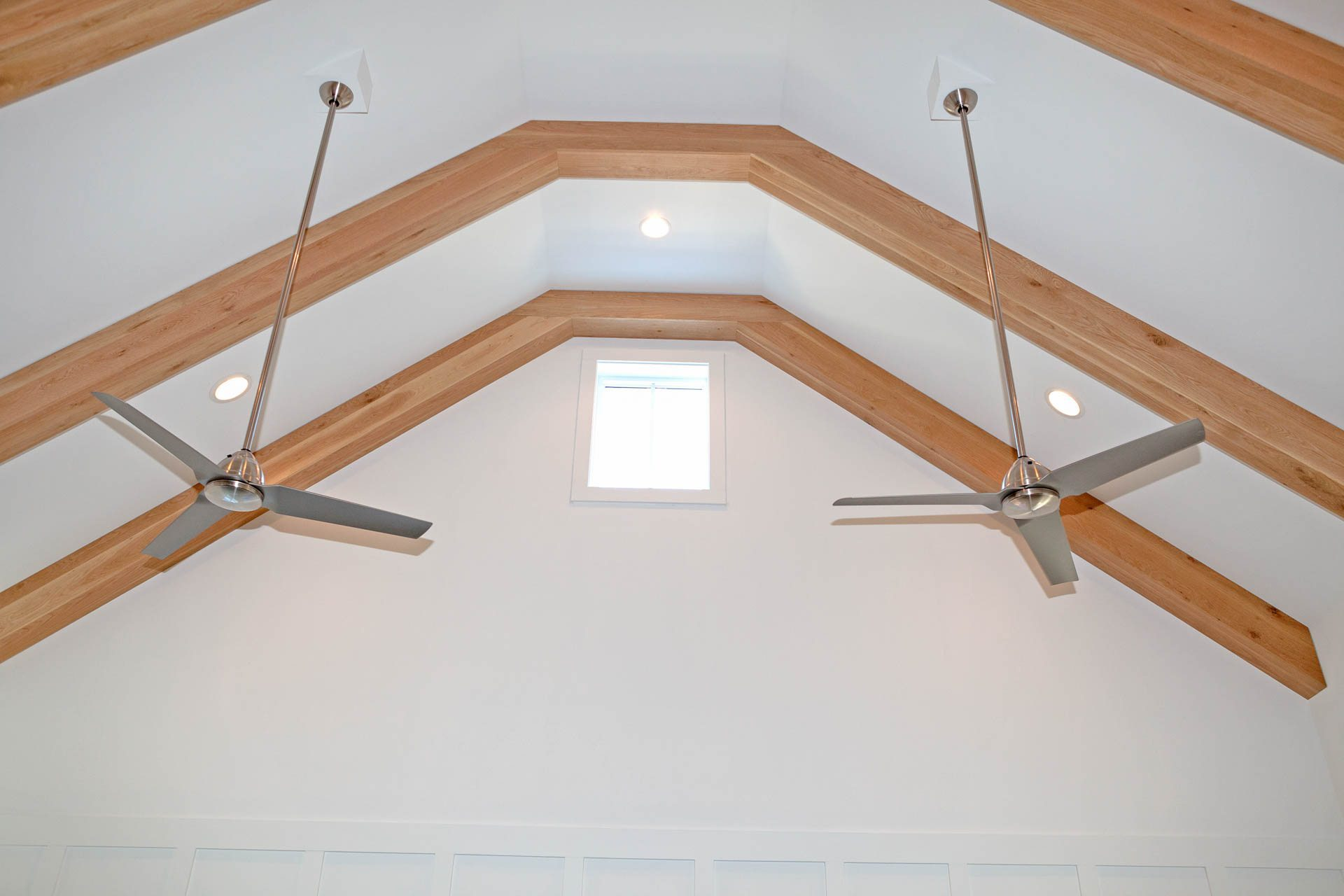 Detail showing ceiling exposed beams.